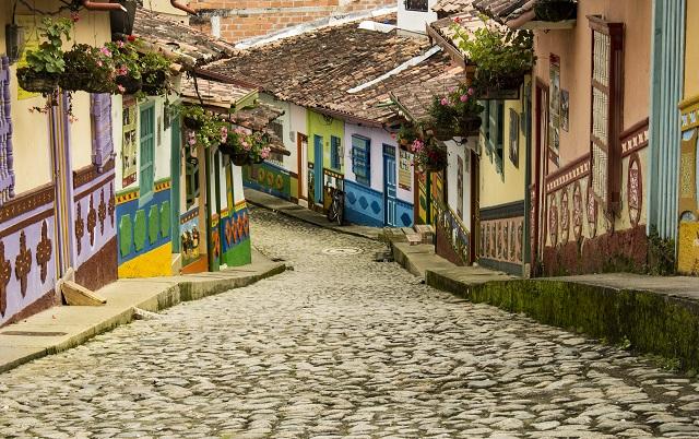 Columbian street